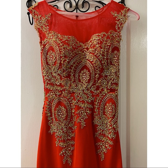Women's gown - Fits like S-M
